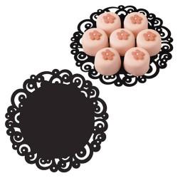 Base Wilton con blonda negra para tartas, cupcakes y otros postres.